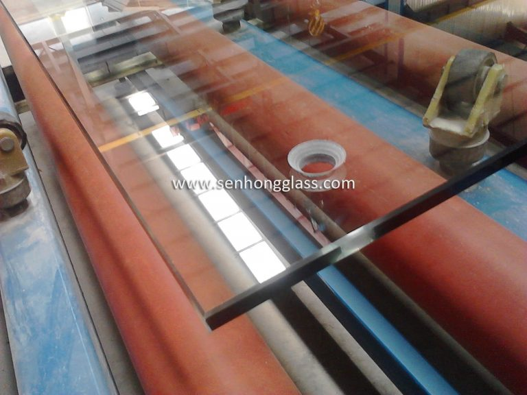 china toughened glass with countersunk holes 3-1