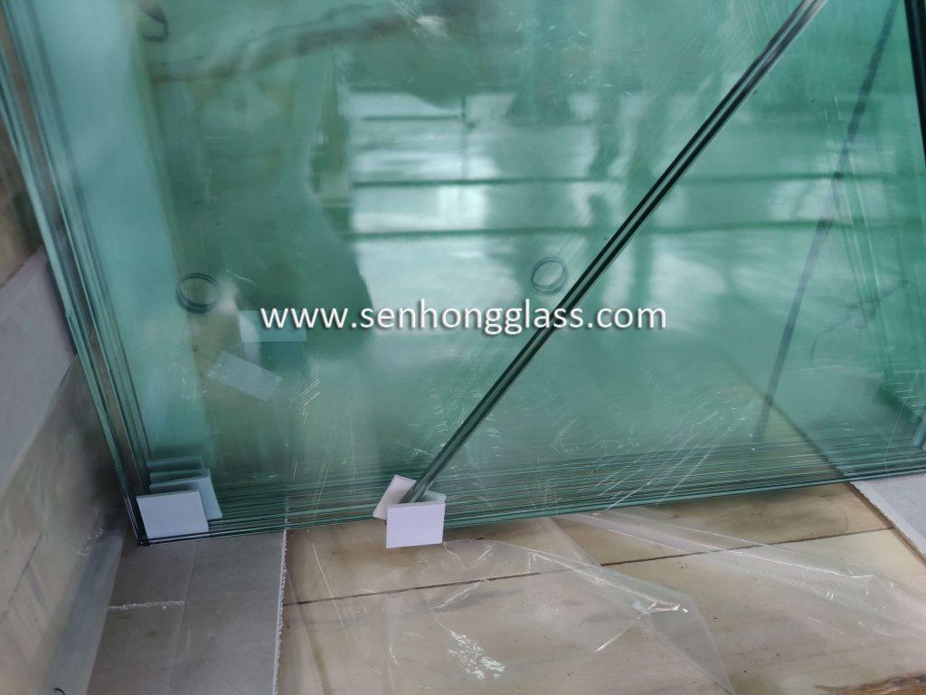 13.52mm-clear-tempered-laminated-glass-polished-edges-irregular-shape-China-Shandong-Senhong-Glass-3